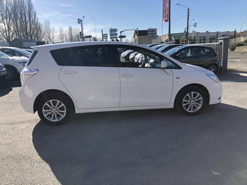 Photo 4 de l'offre de TOYOTA VERSO 126 D-4D FAP SKYVIEW CONNECT 7 PLACES à 8490€ chez Triplo auto