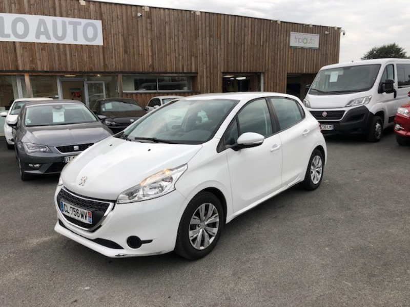Peugeot 208  1.2 VTI 12V  BERLINE ACTIVE PHASE 1 Essence BLANC Occasion à vendre
