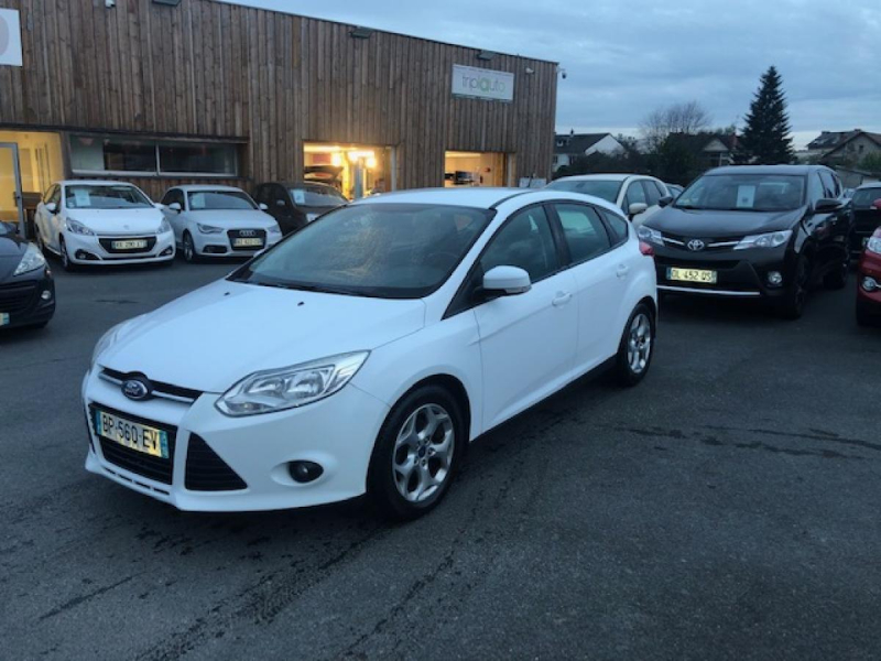 Ford FOCUS 1.6 TDCI 95 S&S TREND Diesel BLANCHE Occasion à vendre