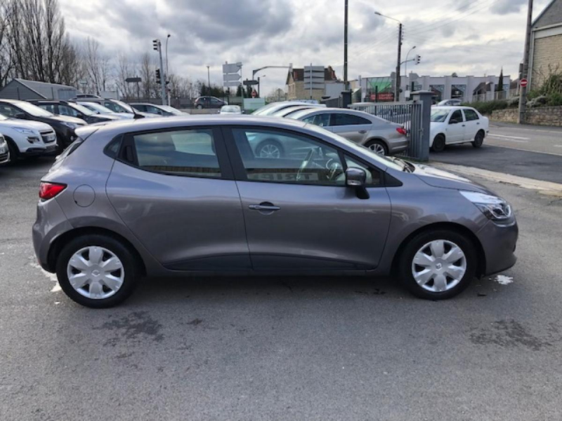 Photo 6 de l'offre de RENAULT CLIO 1.5 ENERGY DCI - 90 83G  IV BERLINE BUSINESS  à 7990€ chez Triplo auto